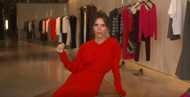 Bà Beck không phải là fan của Victorias Secret chỉ vì lý do đơn giản: Không thích mặc áo lót có độn - Ảnh 1.