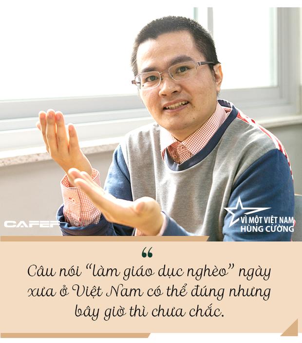 TS Đinh Ngọc Thạnh: Một người như mình thì chẳng làm được gì cả, nhưng một triệu bạn trẻ Việt Nam ra thế giới mang kiến thức về thì… - Ảnh 2.