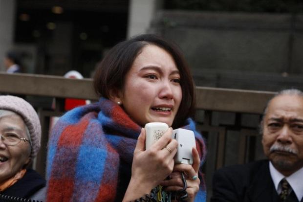 Vụ nữ nhà báo bị cấp trên tấn công tình dục chấn động Nhật Bản: Nạn nhân được bồi thường 700 triệu đồng, bật khóc vì vui mừng trước tòa - Ảnh 3.