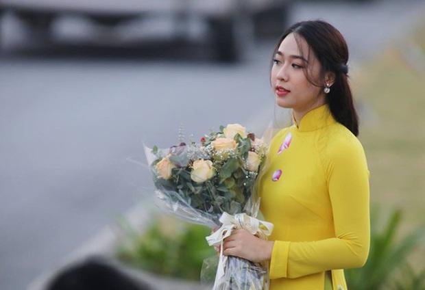 Đã 2 năm trôi qua, nữ sinh từng có vinh dự tặng hoa Tổng thống Donald Trump bây giờ ra sao? - Ảnh 3.