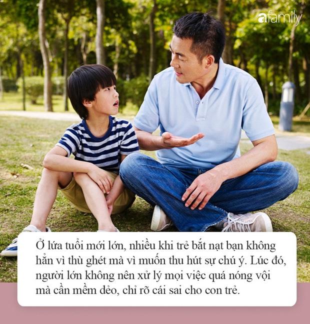 Con trai bị bạn học trêu đến mức muốn tự tử, mẹ trẻ ở Hà Nội đến tận trường xử lý, cái kết khiến ai cũng vỗ tay thán phục - Ảnh 4.