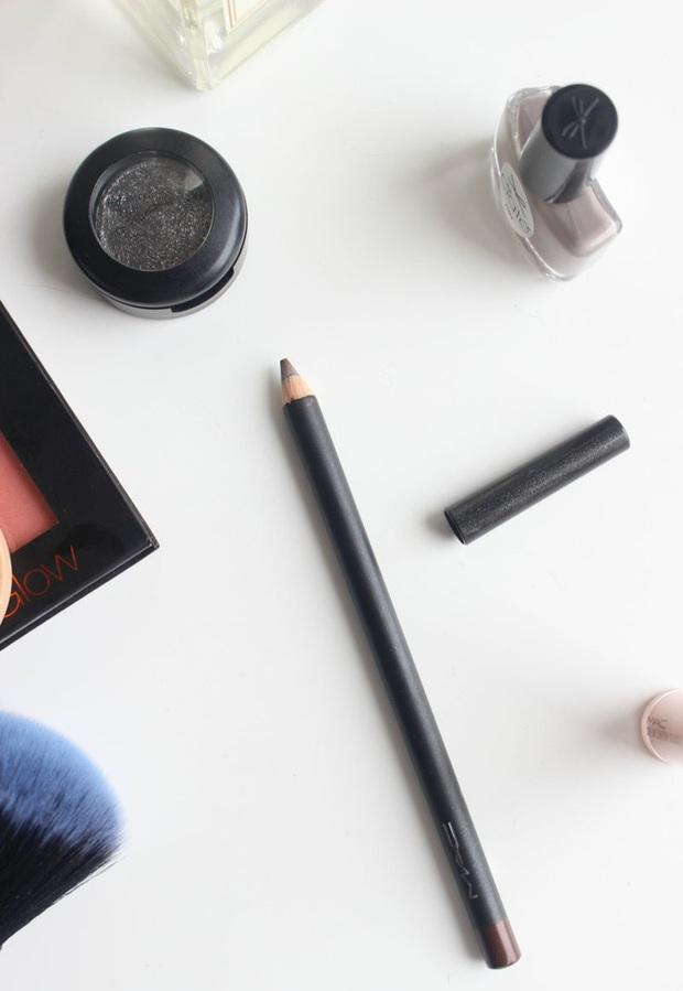 Dù mê makeup tự nhiên hay sắc sảo thì 5 cây kẻ mắt từ 160.000 VNĐ sau đây cũng sẽ khiến bạn mê mẩn - Ảnh 6.