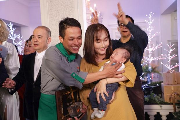 Thành Vương bật khóc bên vợ con khi đăng quang Quán quân Top Chef Vietnam mùa 2 - Ảnh 6.
