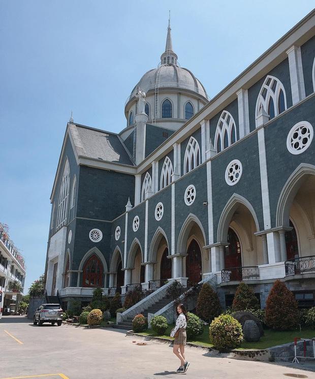 4 nhà thờ tuyệt đẹp cho team Sài Gòn hốt hình sống ảo mỏi tay dịp Giáng sinh, rủ hội bạn check-in ngay kẻo lỡ! - Ảnh 24.