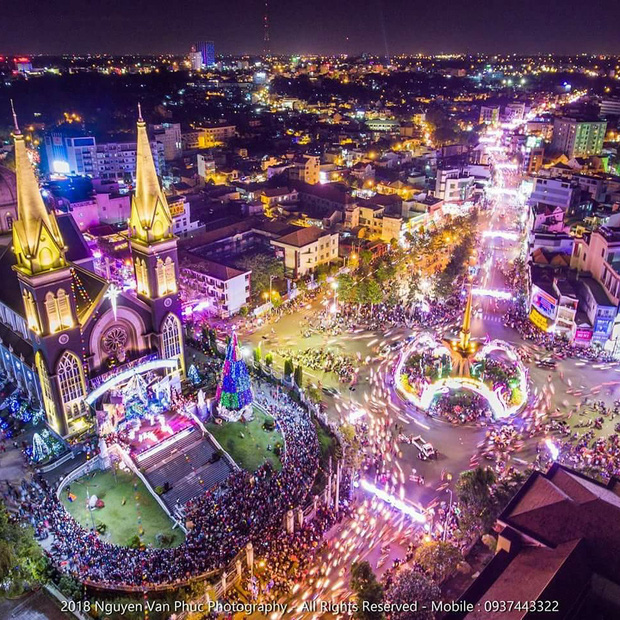 4 nhà thờ tuyệt đẹp cho team Sài Gòn hốt hình sống ảo mỏi tay dịp Giáng sinh, rủ hội bạn check-in ngay kẻo lỡ! - Ảnh 25.