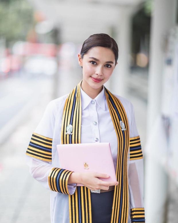 2 mỹ nhân lai bị ghét nhất Thái Lan: Đẹp cực phẩm, tài năng, học vấn khủng nhưng thành tội đồ vì bê bối tình cảm - Ảnh 15.