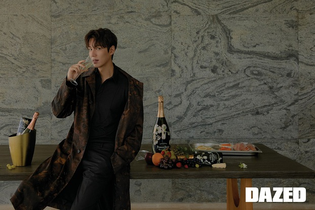 Lee Min Ho lại khiến bao con tim thổn thức với bộ ảnh mới, visual thế này bảo sao cả Suzy và Park Min Young mê đắm - Ảnh 5.
