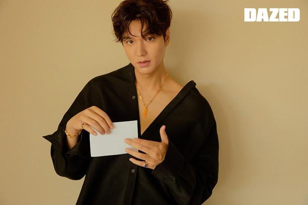 Lee Min Ho lại khiến bao con tim thổn thức với bộ ảnh mới, visual thế này bảo sao cả Suzy và Park Min Young mê đắm - Ảnh 3.