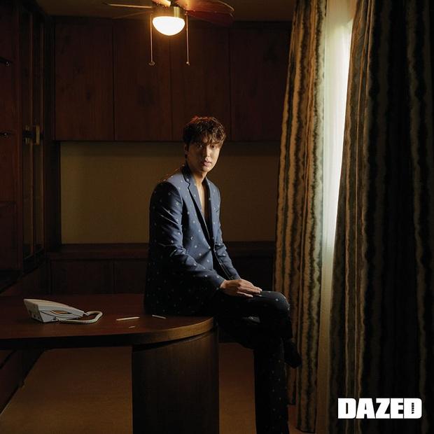 Lee Min Ho lại khiến bao con tim thổn thức với bộ ảnh mới, visual thế này bảo sao cả Suzy và Park Min Young mê đắm - Ảnh 7.