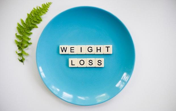 Tại sao tôi lại béo?, chắc chắn nguyên nhân chỉ nằm trong 5 thói quen tưởng bình thường nhưng khiến bạn tích mỡ không kiểm soát - Ảnh 1.