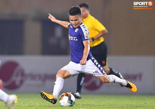 Quang Hải từ chối trở thành đồng đội của Chanathip tại Nhật Bản để ở lại cống hiến cho Hà Nội FC - Ảnh 1.