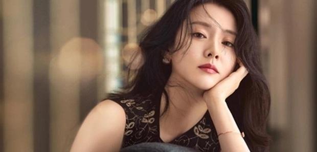 """4 nữ thần """"sắc nước hương trời"""" một thời: Từ Lee Young Ae đến Kim Tae Hee đều sắm vai """"mẹ bỉm sữa"""" khi tái xuất màn ảnh - Ảnh 5."""