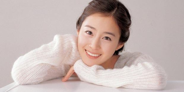 """4 nữ thần """"sắc nước hương trời"""" một thời: Từ Lee Young Ae đến Kim Tae Hee đều sắm vai """"mẹ bỉm sữa"""" khi tái xuất màn ảnh - Ảnh 10."""