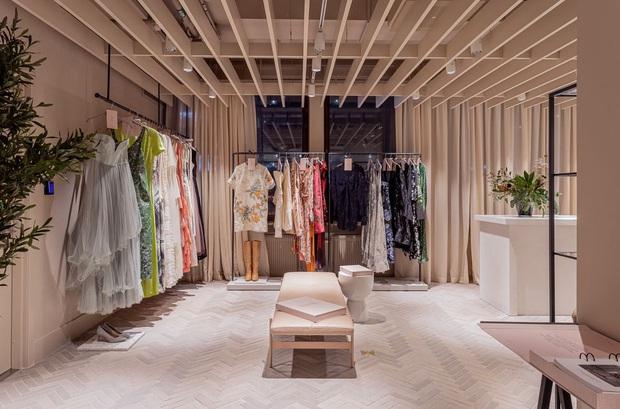H&M Thụy Điển mở dịch vụ cho thuê quần áo với giá 850.000 VNĐ/tuần nhưng lại bị nhiều người chê bai - Ảnh 2.
