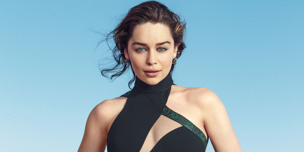 Hành trình Mẹ Rồng Emilia Clarke khi từ mỹ nhân lộ ngực gây sốc thành nữ hoàng rom-com mới - Ảnh 15.