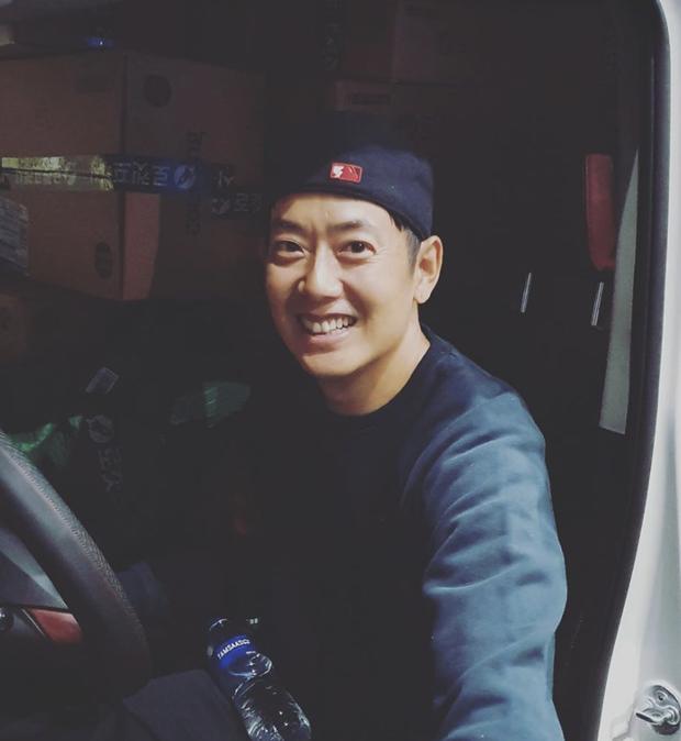 Ai ngờ nam thần Kpop lừng danh một thời giờ phải làm nhân viên giao hàng kiếm sống qua ngày - Ảnh 5.