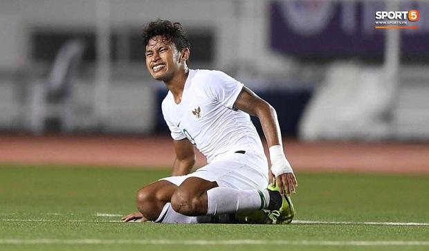 Fan Indonesia bất bình trước lối phòng thủ thụ động của đội nhà: Thật ngu ngốc khi để Việt Nam kiểm soát trận đấu - Ảnh 1.