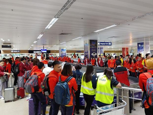 Đoàn eSports Việt tới Philippines, quẩy trăm kiểu ảnh sẵn sàng chinh phục huy chương SEA Games 30 - Ảnh 1.