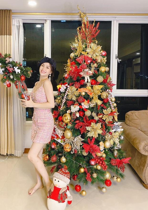 Tăng Thanh Hà, Phạm Hương và dàn sao Vbiz tất bật trang hoàng nhà cửa mới thấy không khí Giáng Sinh đã sớm ùa về! - Ảnh 7.