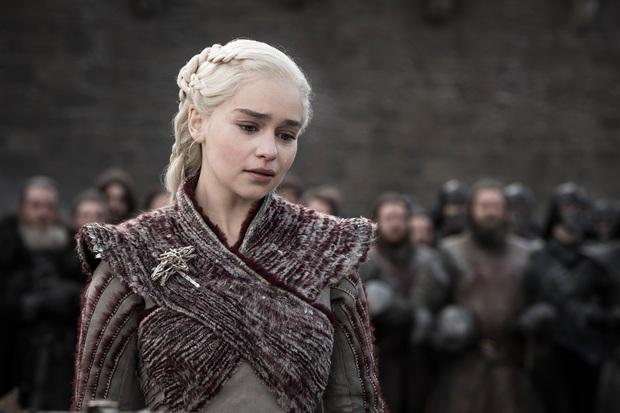 Hành trình Mẹ Rồng Emilia Clarke khi từ mỹ nhân lộ ngực gây sốc thành nữ hoàng rom-com mới - Ảnh 5.