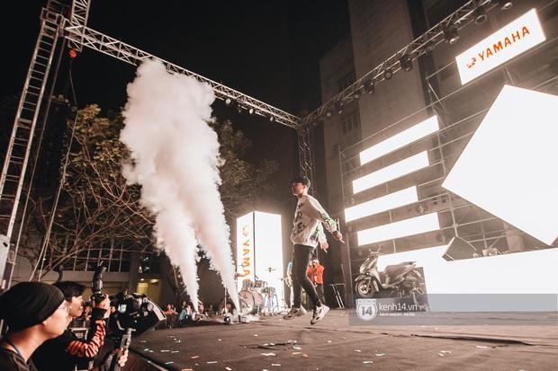 Binz gây choáng khi cởi trần khoe cơ bắp, Vũ - Ngọt Band thổi làn gió mới cho Yamaha Road to Ravolution: DJ Battle tại Hà Nội - Ảnh 8.