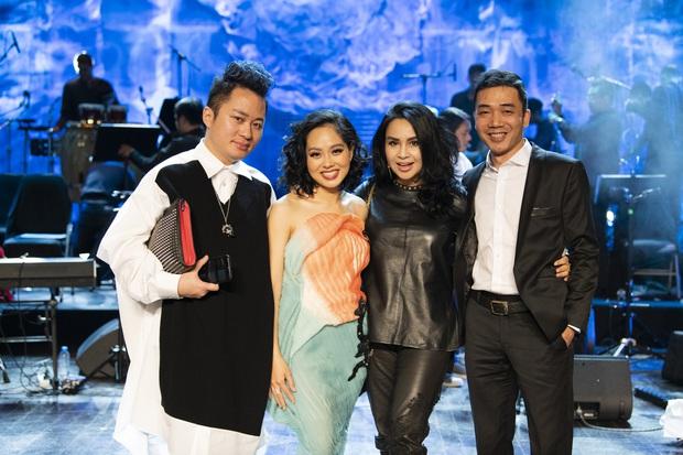Diva Thanh Lam, Tùng Dương không ngồi yên với cú bắt tay giữa Hoàng Quyên và Ronaldo - Messi tại liveshow Sóng Hấp Dẫn - Ảnh 5.