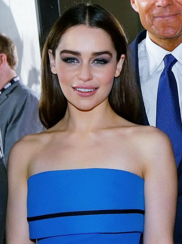 Hành trình Mẹ Rồng Emilia Clarke khi từ mỹ nhân lộ ngực gây sốc thành nữ hoàng rom-com mới - Ảnh 10.
