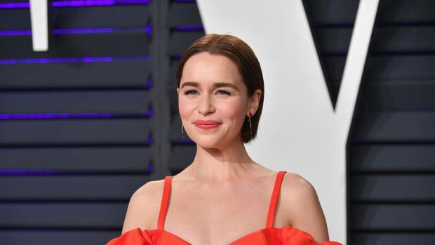 Hành trình Mẹ Rồng Emilia Clarke khi từ mỹ nhân lộ ngực gây sốc thành nữ hoàng rom-com mới - Ảnh 7.