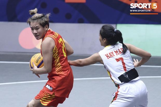 Bóng rổ SEA Games 30: Người hâm mộ tiếp tục đón nhận tin vui, đội tuyển nữ lọt vào bán kết sau trận đấu một chiều trước Myanmar - Ảnh 2.