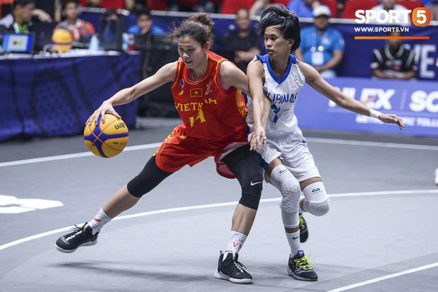 Nỗ lực hết mình nhưng vẫn không thể tạo nên bất ngờ trước Philippines, bóng rổ nữ Việt Nam vẫn còn cơ hội tranh huy chương đồng tại SEA Games 30 - Ảnh 5.