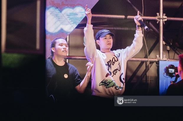 Binz gây choáng khi cởi trần khoe cơ bắp, Vũ - Ngọt Band thổi làn gió mới cho Yamaha Road to Ravolution: DJ Battle tại Hà Nội - Ảnh 7.