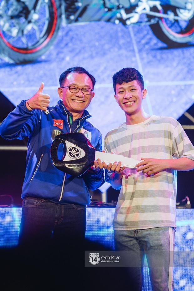 Binz gây choáng khi cởi trần khoe cơ bắp, Vũ - Ngọt Band thổi làn gió mới cho Yamaha Road to Ravolution: DJ Battle tại Hà Nội - Ảnh 11.