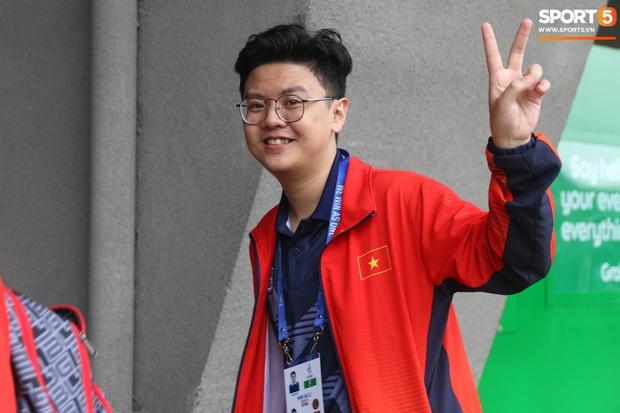 Đảm đang như đội trưởng Mocha ZD Esports: Lo sợ đồng đội không có gì ăn nên chuẩn bị cả thùng mì tôm tới Philippines - Ảnh 11.