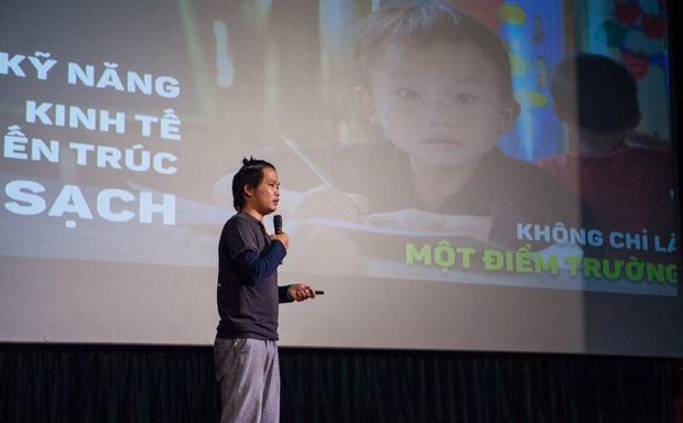 Chàng trai Hà Nội nhặt ve chai, xây trường, nuôi ăn cho trẻ vùng cao - Ảnh 1.