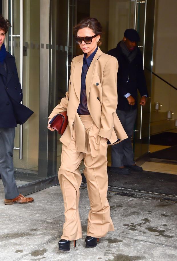 Dân tình thì mê mẩn nhưng Victoria Beckham lại đánh giá thấp 2 xu hướng thời trang hot hit này - Ảnh 5.