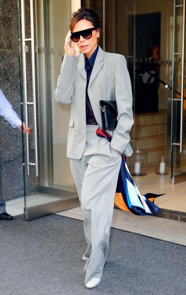 Dân tình thì mê mẩn nhưng Victoria Beckham lại đánh giá thấp 2 xu hướng thời trang hot hit này - Ảnh 7.