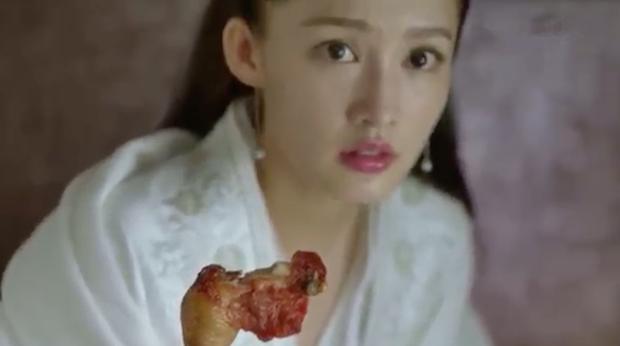 Tín vật định tình kì cục của Khánh Dư Niên: Nàng trao một cái đùi gà, chàng đem về cất vào hộp ngọc? - Ảnh 4.