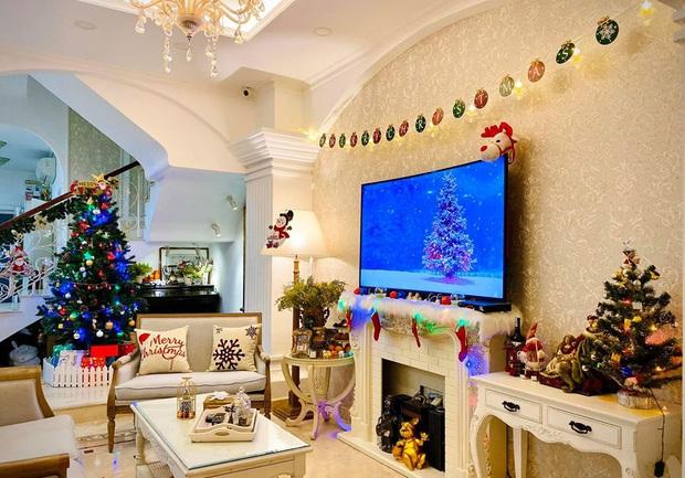 Tăng Thanh Hà, Phạm Hương và dàn sao Vbiz tất bật trang hoàng nhà cửa mới thấy không khí Giáng Sinh đã sớm ùa về! - Ảnh 5.