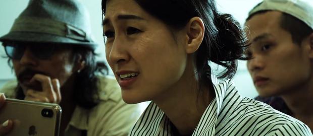 Hậu trường Chị Chị Em Em tiết lộ ngoài cảnh hôn đốt mắt của Chi Pu - Thanh Hằng, đây sẽ là combo drama đầy nhục dục, dối lừa lẫn án mạng - Ảnh 9.
