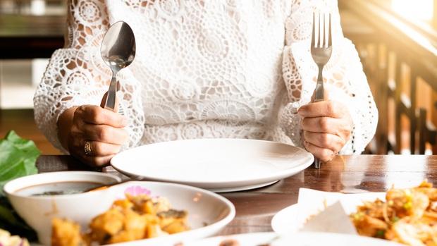 Kết hợp nhiều chế độ ăn kiêng để giảm cân cấp tốc: Lợi hay hại? - Ảnh 2.