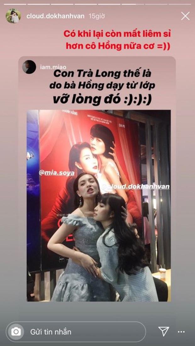 Đến buổi premiere Mắt biếc nhưng lại cosplay poster Chị chị em em, Trà Long khẳng định mình còn mất liêm sỉ hơn cả Hồng - Ảnh 1.