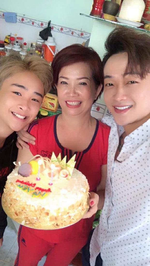 Hoá ra TiTi HKT có một cậu em trai 2k2 càng lớn càng giống anh, nhưng bị đồn dao kéo vì mặt nhọn hoắt gây sốc - Ảnh 5.