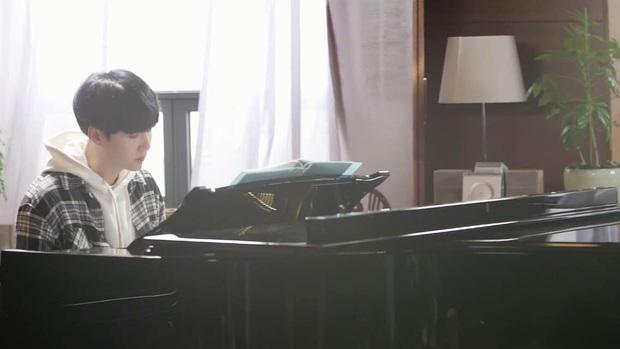 3 thuyết âm mưu bí ẩn về BTS: Giấu fan tận 2 năm trời mới giải đáp, vụ án hoa hướng dương để ngỏ đến bao giờ? - Ảnh 4.