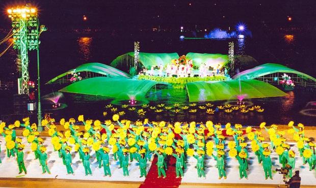 Cho học sinh toàn thành phố Đà Lạt nghỉ học để khai mạc Festival hoa - Ảnh 1.