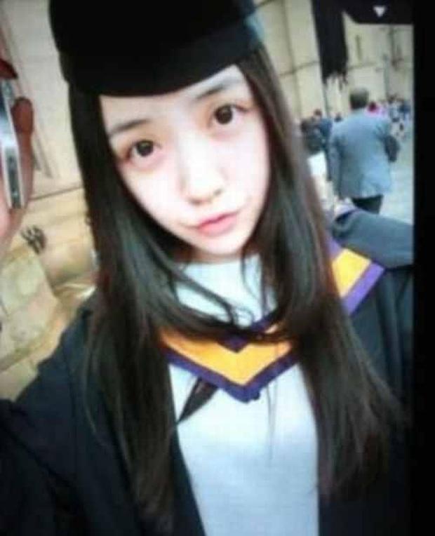 Dàn bạn gái xinh đẹp, quyến rũ của thiếu gia ăn chơi bậc nhất Trung Quốc Vương Tư Thông - Ảnh 2.
