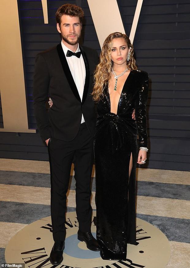 Có tình mới sau khi ly hôn Liam, Miley Cyrus gây tranh cãi vì thoải mái đùa cợt về cuộc hôn nhân kéo dài vỏn vẹn 8 tháng - Ảnh 1.