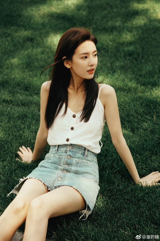 Dàn bạn gái xinh đẹp, quyến rũ của thiếu gia ăn chơi bậc nhất Trung Quốc Vương Tư Thông - Ảnh 25.
