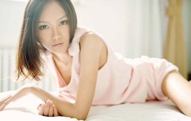 Dàn bạn gái xinh đẹp, quyến rũ của thiếu gia ăn chơi bậc nhất Trung Quốc Vương Tư Thông - Ảnh 4.
