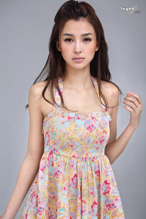 Dàn bạn gái xinh đẹp, quyến rũ của thiếu gia ăn chơi bậc nhất Trung Quốc Vương Tư Thông - Ảnh 8.