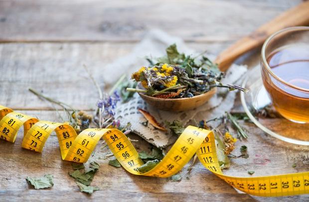 Cẩn thận chất cấm được sử dụng tràn lan trong các loại trà giảm cân có thành phần từ thiên nhiên - Ảnh 1.